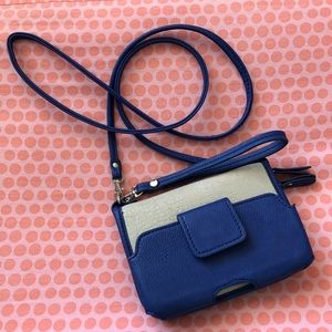 Melie Bianco wallet crossbody/wristlet